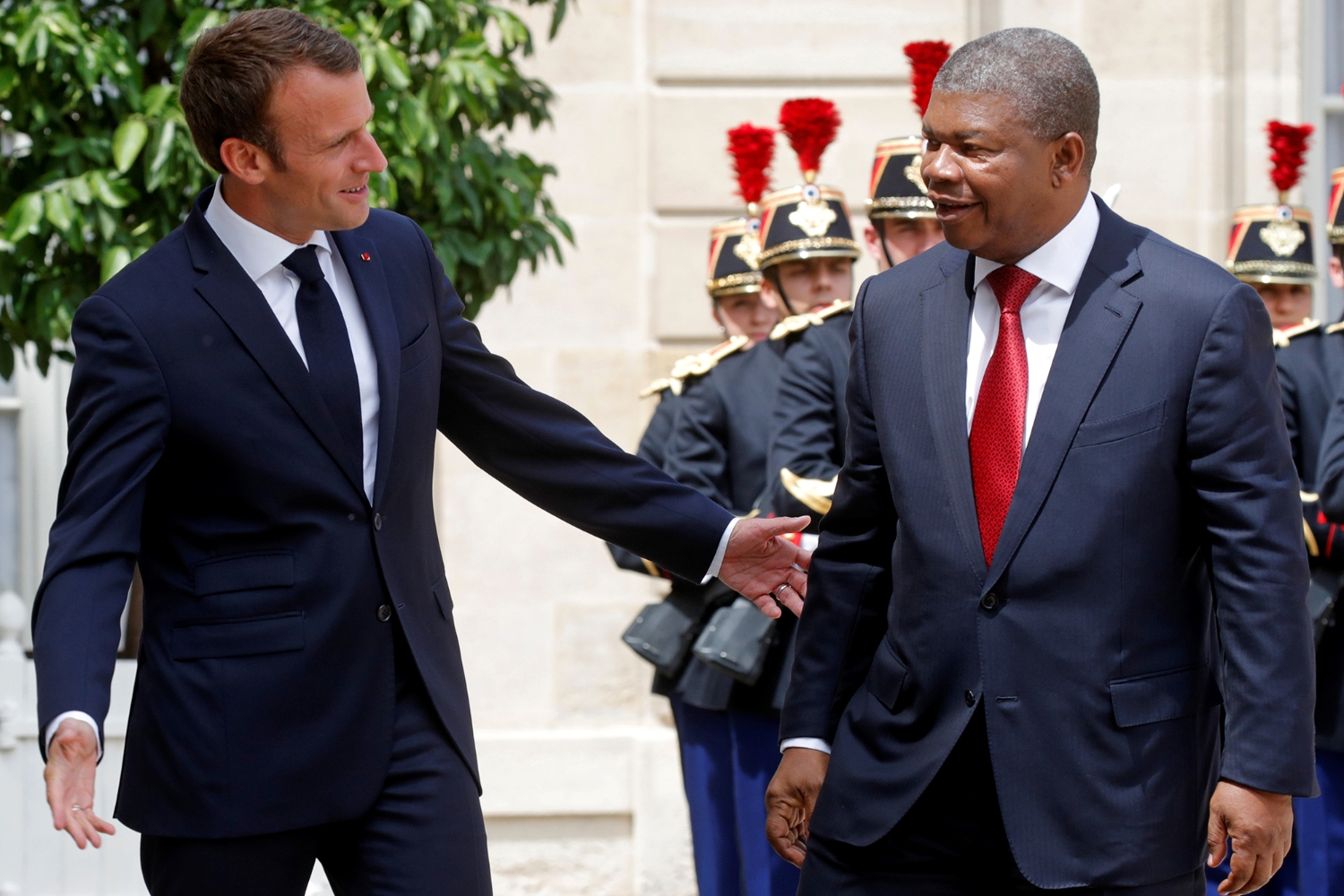 French President Emmanuel Macron and his Angolan counterpart Joao Lourenço, in 2018.
