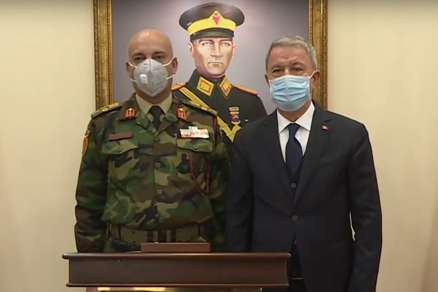 Mohamed Al Haddad (left), Libyan chief of staff, during a meeting with Turkish Defence Minister Hulusi Akar in October 2020.