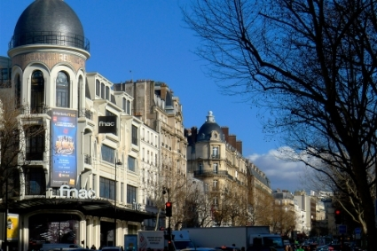 the building housing the FNAC store in the avenue des Ternes in the French capital.