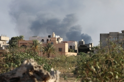 The offensive started by the 7th Brigade, (aka Al Kaniat) on Tripoli's southern suburbs.