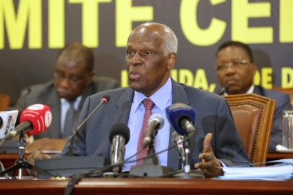 Former President José Eduardo dos Santos created the public company Recredit in 2016 to take care of the toxic claims of the PCB.