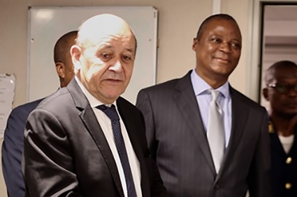 French Minister for Foreign Affairs Jean-Yves Le Drian and Jaime Neto in February 2020.