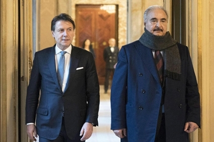 Libyan General Khalifa Haftar (right) and Italian Prime Minister Giuseppe Conte (left).