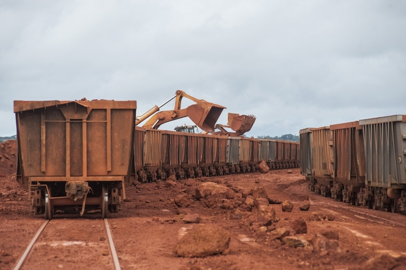 In light of the growth of demand for bauxite, Guinea's neighbours position themselves on the market.