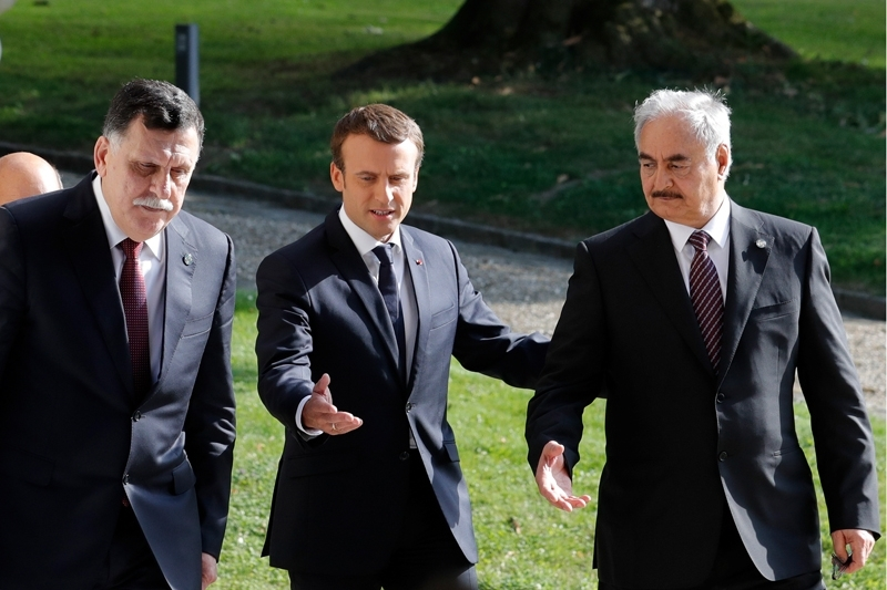 Emmanuel Macron tries to organise a new meeting with Sarraj and Haftar to agree on general elections