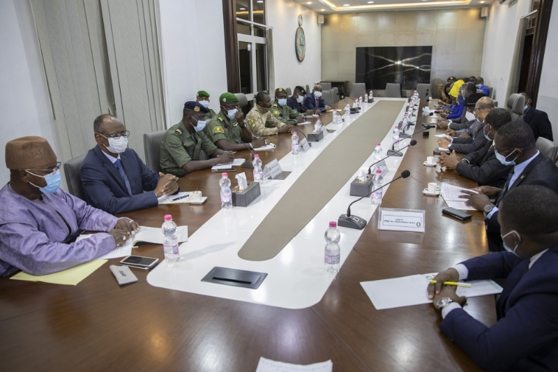 Meeting of a delegation from ECOWAS with military leaders from the CNSP in Bamako, 22 August 2020.
