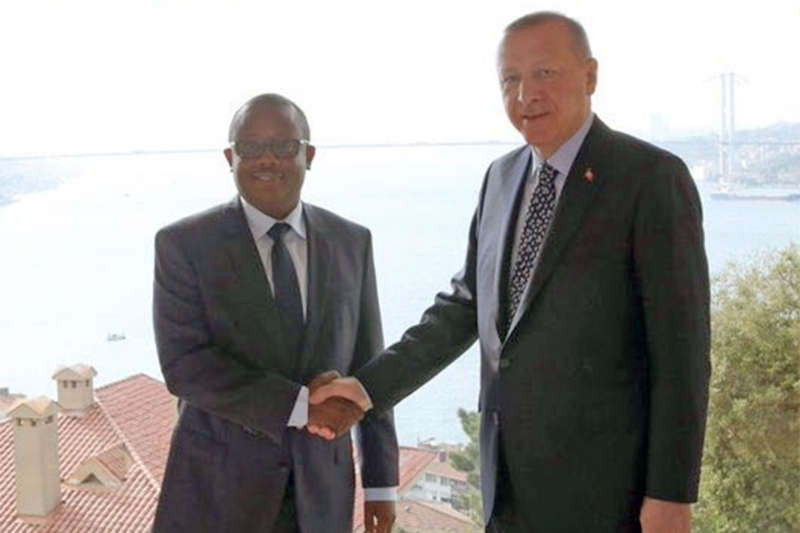 Turkish president Recep Tayyip Erdogan (right) and Guinea-Bissauan president Umaro Sissoco Embalo.